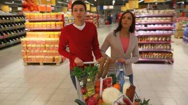 Modern shoppers — Stock Video