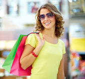 Summer shopper — Stock Photo