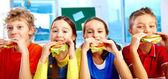 Almuerzo en la escuela — Foto de Stock