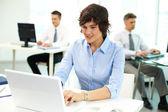 Lidé na pracovišti — Stock fotografie