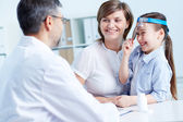 Speaking to the doctor — Stock Photo