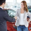 Buying a car — Stockfoto