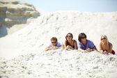 Friends on the beach — Stock Photo