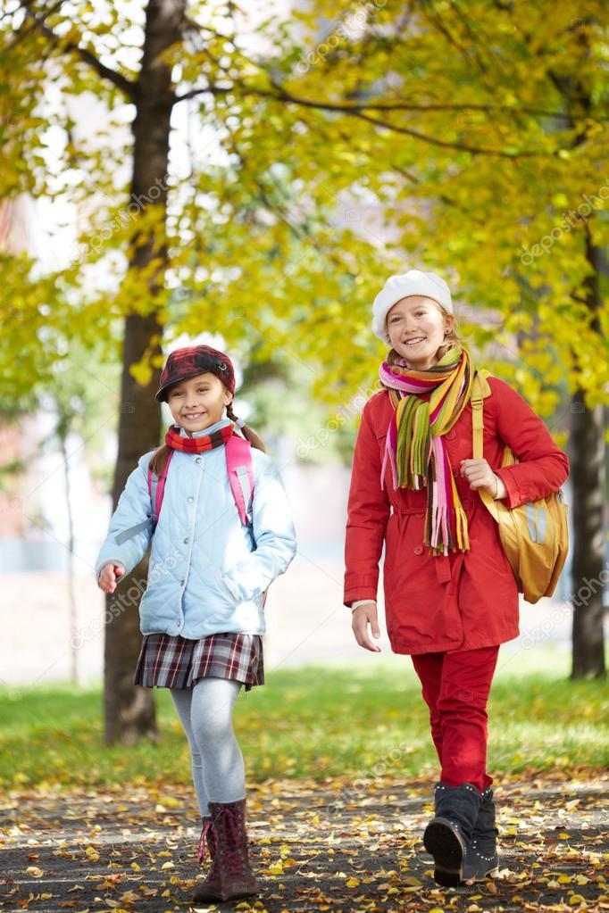 школьницы после школы скачать