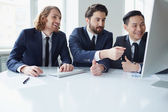Businessmen discussing project — Stock Photo