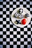 Easter chess eggs — 图库照片