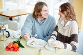 Couple talking by the dessert — Stock Photo