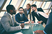 Business people discussing plans — Foto Stock