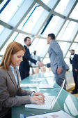 Businesswoman networking — Stockfoto