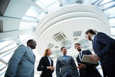 Business people discussing ideas — Foto Stock