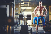 Man standing in gym — Foto de Stock