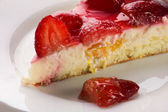 A piece of strawberry cake — Stock Photo