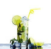 Refreshing  drink  lime — Stock Photo