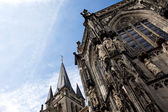 Catedral de aachen contra o céu — Fotografia Stock