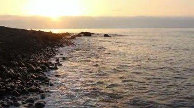 Soluppgång vid havet — Stockvideo