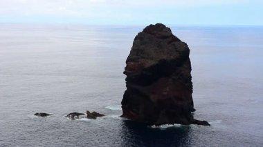 Rock island in the sea — Vídeo Stock