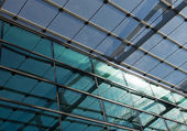 Glass roof of the station in sunlight — Стоковое фото