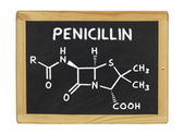 Chemical formula of penicillin on a blackboard — Stockfoto