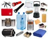 Oggetti utili in situazioni di emergenza isolato su bianco — Foto Stock