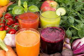 Vegetable juice, tomato, carrot, cucumber and beetroot — Stock Photo