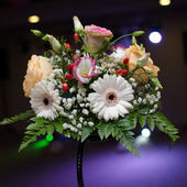 Floral wedding arrangement — Stockfoto