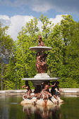 Fountain with bronze sculptures in the gardens of the Royal Palace of La Gr — Stock Photo