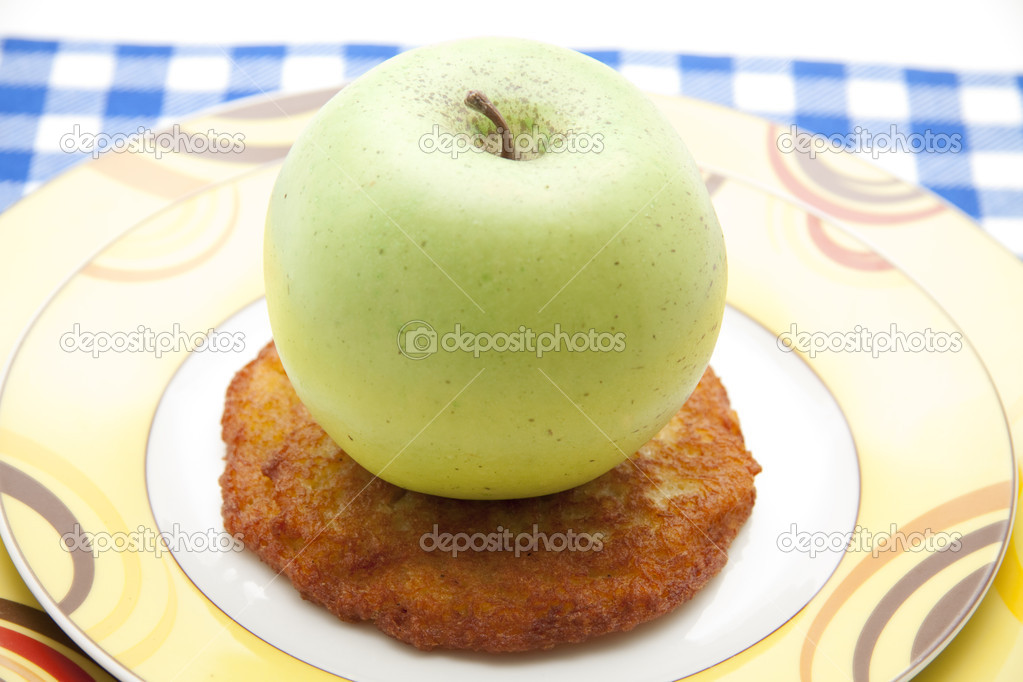 Potato Rösti on Plate  — Stock Photo #12548617