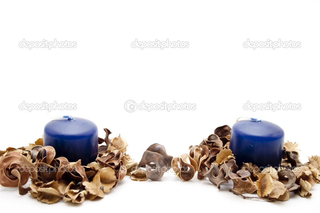 Candles of perfume and potpourri — Stock Photo #14990119