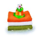 Tre asciugamani e sapone naturale — Foto Stock