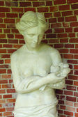 """Sculpture in the grotto. Moscow. The museum-reserve """"Tsaritsyno"""" — Stock Photo"""