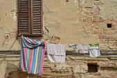 Laundry in the old city — Stock Photo