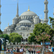 People visiting square near Sultan Ahmed Mosque — Stock Photo