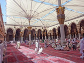 Muslims get ready to pray inside Nabawi Mosque — Stock Photo