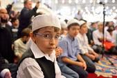 Fatih mosque ritual of worship centered in prayer, Istanbul Turkey — Stock Photo