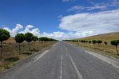 Piękny widok z drogi w okolicach — Zdjęcie stockowe