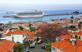 Uitzicht over de haven van funchal - madeira — Stockfoto
