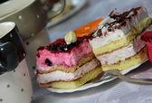 おいしいケーキの 2 つの部分 — ストック写真