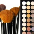 Makeup palette and brushes — Stock Photo