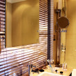 图库照片: Luxury beautiful modern bathroom