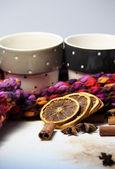 Cinnamon sticks and dried oranges — Fotografia Stock