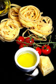 Traditional Italian food tagliatelle with ingredients — Foto Stock
