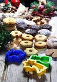 Christmas cookies wit vivid pastry forms — Foto de Stock