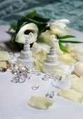 Beautiful bouquet and other wedding decorations — Stock Photo
