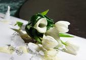 Bouquet da sposa bella di callas bianco e tulipani — Foto Stock