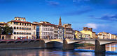 Most ponte vecchio w zmierzchu — Zdjęcie stockowe