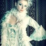 Portrait of the elegant woman in medieval era dress. — Stock Photo #13563621