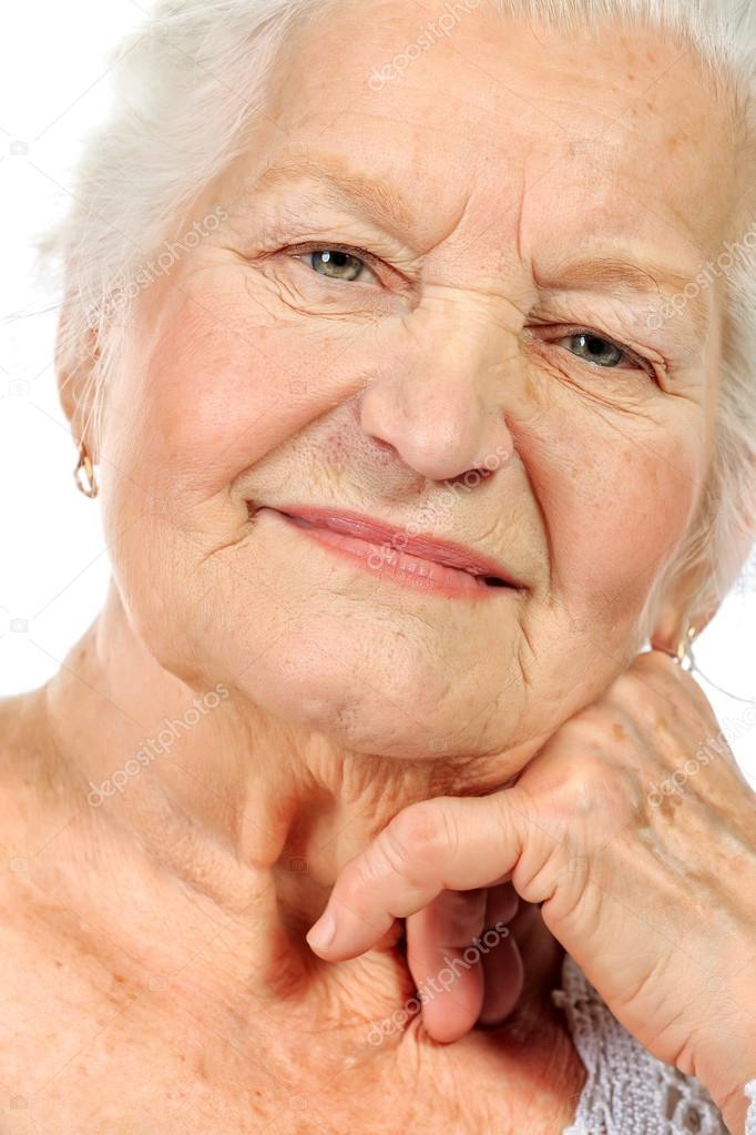 ♕ SPIRIT BRINGERS: EMPYREAN REALM. (SAGA DE BYNQUISTERR) - Página 6 Depositphotos_24017397-stock-photo-face-grandma