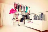 ショッピングをお楽しみください。 — ストック写真