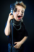 Young singer — Stock Photo