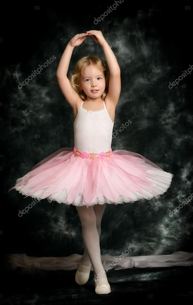 Little girl ballet images usseekcom for Bild ballerina